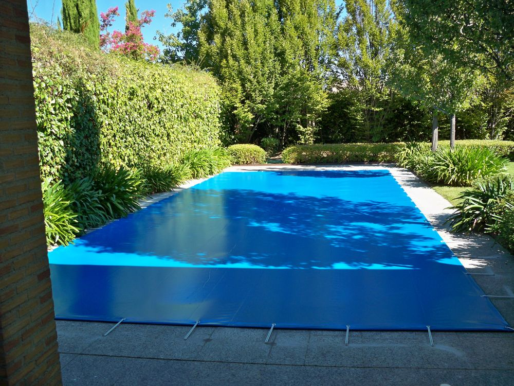 Protecci n piscina familiar iber coverpool for Piscinas familiares desmontables