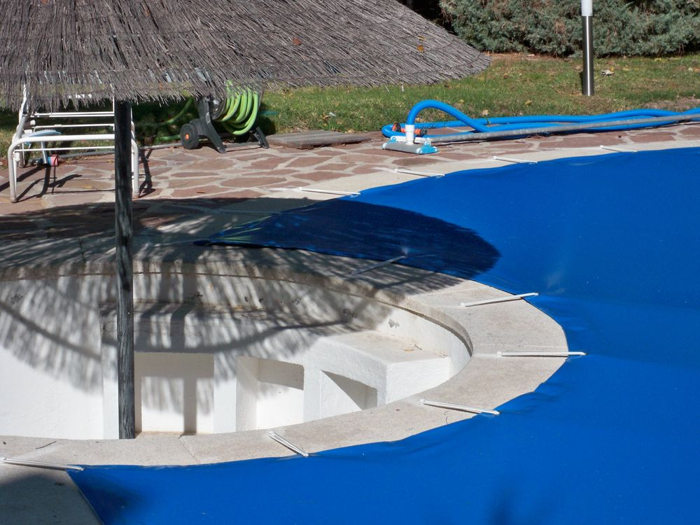 Cobertores protecci n irregulares iber coverpool for Proteccion para piscinas