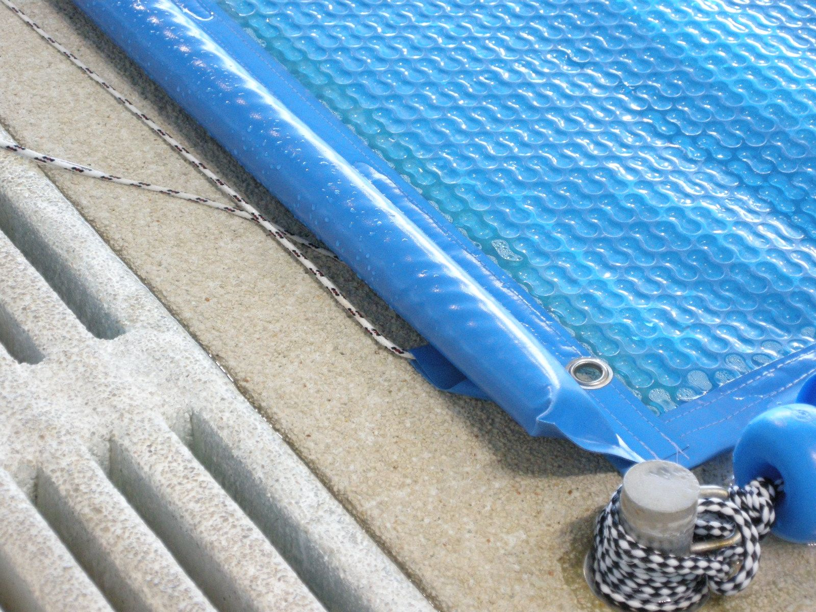 Piscinas p blicas cobertor solar iber coverpool for Cobertores para piletas