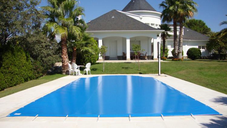 Cobertor de protección de piscina familiar irregular - Iber Coverpool
